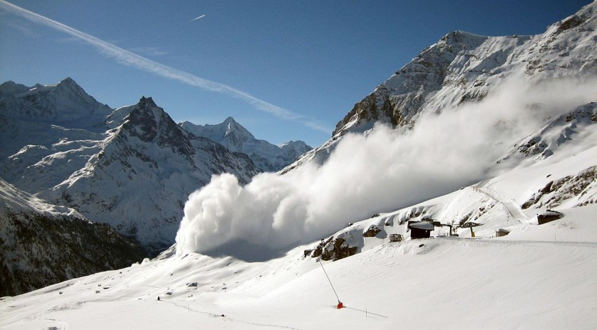 An avalanche in progress