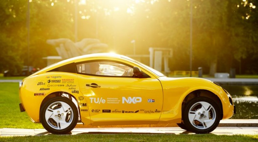 Eindhoven students built car mostly from recycled waste
