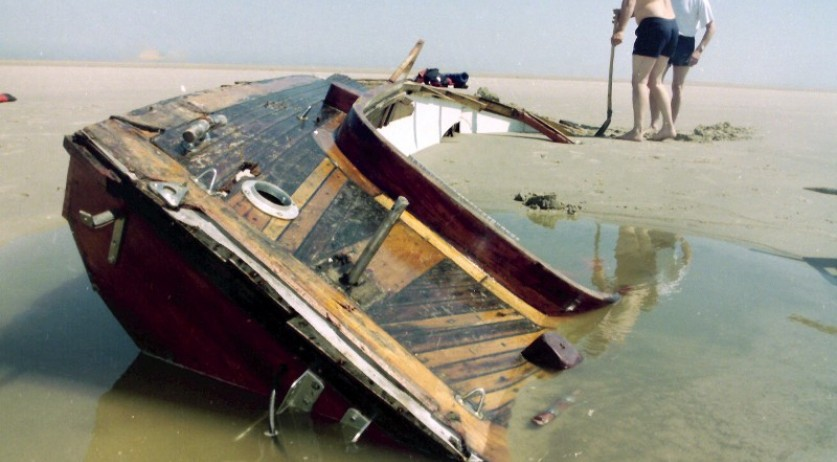Boat of Swedish sailor Hans, whose body was found on a sandbank near Texel in 1995