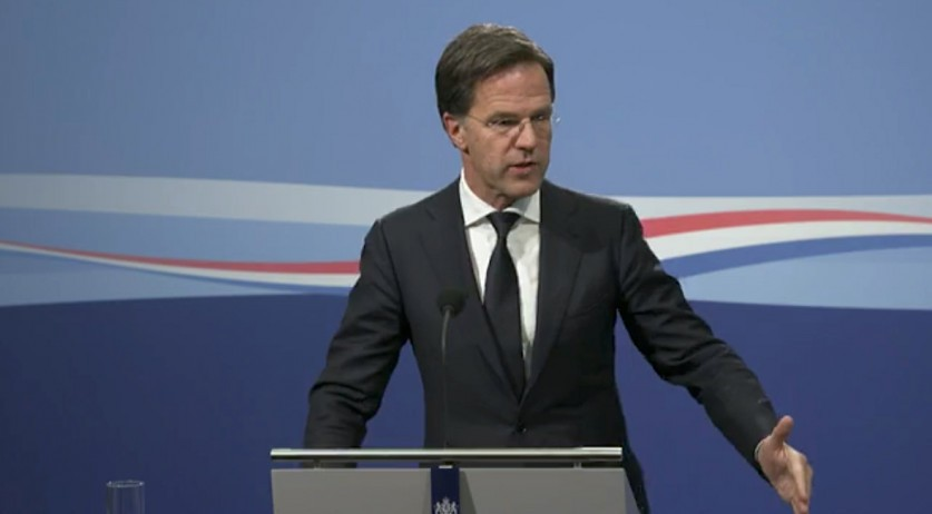Mark Rutte speaking at a press conference on April 17, 2020