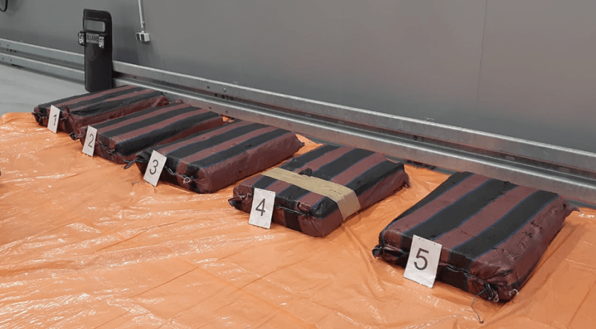 374 kilograms of cocaine discovered in a shipment of bananas from Ecuador on May 31, 2020