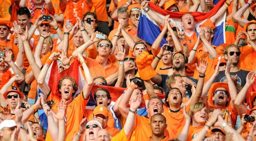 Dutch_football_supporters_20120609_(1)