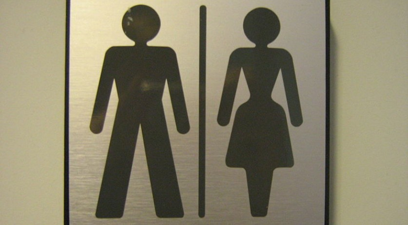 800px-Gender_neutral_toilet_sign_gu
