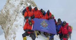 Mountain Leaders of the Dutch Marines reach the top of Mount Manaslu in the Himalayas, April 2016