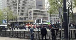 Riot police clash with football fans in Rotterdam after Feyenoord lost to Excelsior, 7 May 2017
