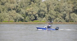 Water police on the Hollands Diep