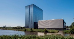Equinix's data center AM4 opened on Amsterdam's Science Park, 5 Jul 2017