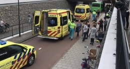 Bus crashes into a viaduct over a bike path at Osseveld station in Apeldoorn, 7 Sept 2017