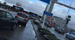 Traffic builds up towards Schiphol's departures, 18 Jan 2018