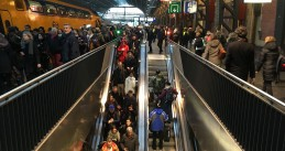 Commuters at Amsterdam Centraal, 19 Jan 2018