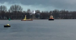 Port of Amsterdam boats responding to an area on the IJ where a WWII sea mine was found, 1 Feb 2018