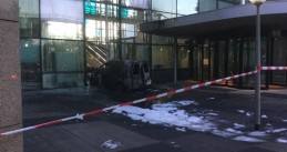 Volkswagen Caddy crashed into De Telegraaf building on Basisweg in Amsterdam, 26 July 2018
