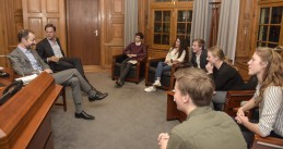 Eric Wiebes and Mark Rutte meeting with school pupils' protest group Youth for Climate, 12 Feb 2019