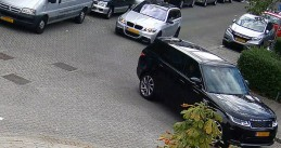 Silver BMW following a black Range Rover from Mertensstraat in shortly before firing an AK47 at it on Berlagestraat, Rotterdam, 10 Sept 2019