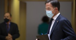 Mark Rutte wearing a face mask at a EU summit in Brussels, 2 October 2020