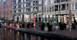 The empty terraces of cafes and restaurants at the Amsterdam Oostpoort shopping center during the second wave of coronavirus infections. 28 October 2020