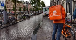 A Thuisberzorgd.nl deliverer in Amsterdam