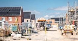 Construction site in Urk brought to a standstill by the coronavirus, 28 March 2020