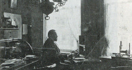 Jan Daniël Boeke in his office, circa 1900