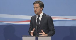 Mark Rutte speaking at a press conference following a meeting of Cabinet ministers on 8 Jan. 2021