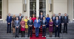 The Rutte III Cabinet with King Willem-Alexander after its appointment on 26 October 2017