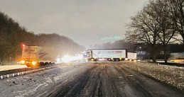 Slippery roads caused a truck to jackknife on the A50 near Ravenstein, 8 February 2021