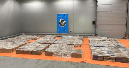Over 4,000 kilograms of cocaine found at Rotterdam port in a fruit container from Ecuador, 18 March 2021