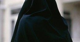 487px-Muslim_Woman_in_black