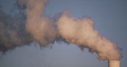 Air_pollution_smoke_rising_from_plant_tower