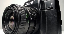 1280px-Camera_Zenit_122_left_view