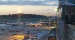 Brussels_airport_early_morning_05