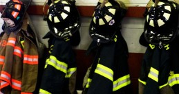 794px-Fire_fighters_gear