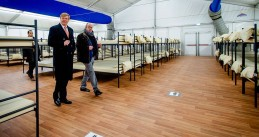 King Willem-Alexander at an asylum center