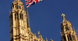 1024px-The_Union_Flag_on_Victoria_Tower